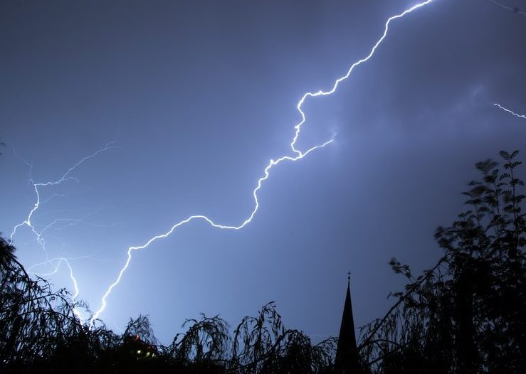 lightning-199651_960_720